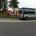 Verkeers en straatnaamborden reinigen voor Gemeente Haaren.